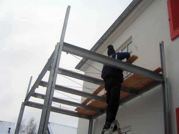 Montagearbeiten am Balkon
